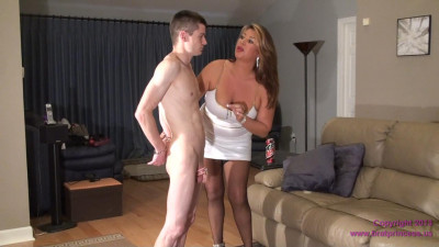 Trains Step Friend to Lick Pussy