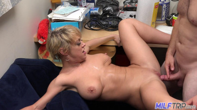 Dee Williams - Hot Body With Big Natural Tits And Ass
