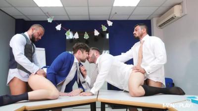 X-Mas Eve Boardroom Play – Diego Reyes, Drew Dixon, Joe Gillis & Sir Peter