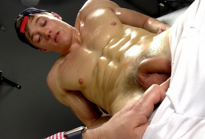 Description EBoys - Larry McCormick - Massage - Handjob - Part One