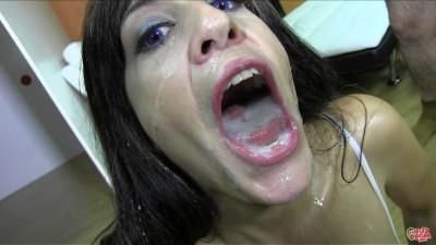 The Italian slut gets a sea of sperm
