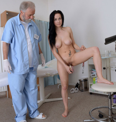 Nicole Love (18 years girl gyno exam)