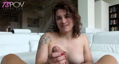 Mature amateur TS Trixie Turner worships a big dick