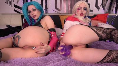 Harley Quinn & Jinx: Strapon anal fuck