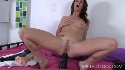 Description BrutalDildos Cici Rhodes