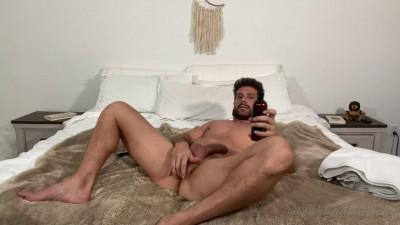 Ramon Nomar tries anal plug