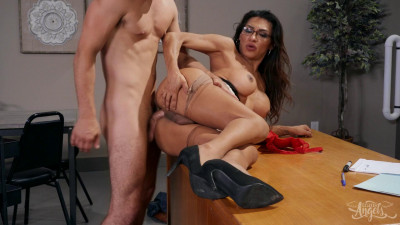 Jessy Dubai – Stroke Her in the Stacks