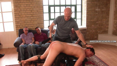 Mike – Hetero stripped in front of a leering gay audience