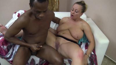 Big tits euro MILF new home porn