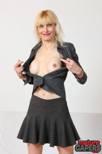 Hot mature blonde Valeria pussy gaping FullHD 1080p