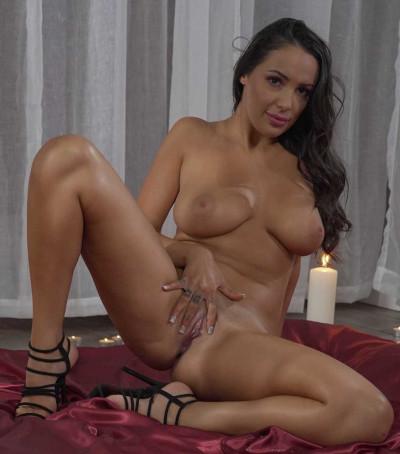 Sofi Ryan – Cumming By Candle Light FullHD 1080p