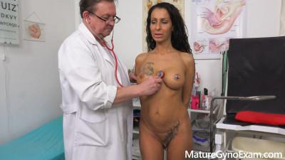 Description Kinky gyno exam and real orgasm of hot babe Valentina Sierra