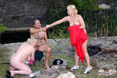 Paulina e & Eva T - A horny fishing trip