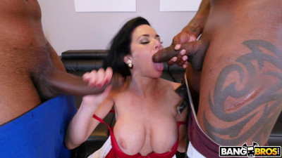 Veronica Avluv – Realtor Gets Double Penetration From Monstrous Cocks