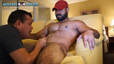Beefcake Hunter Sami - Worshiping sexy Arabic man