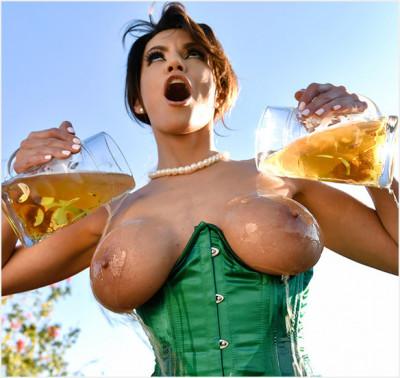 Becky Bandini – Bodacious MILF Banging FullHD 1080p