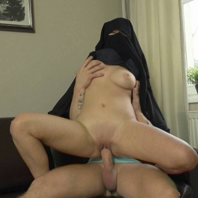 Lili Sommer - Big boobs niqab girl FullHD 1080p
