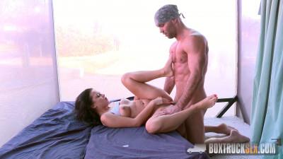 BoxTruckSex – Daphne Klyde