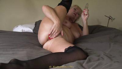 big ass bbw milf masturbate on bed