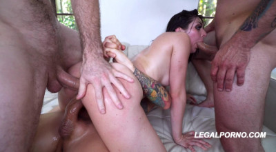 Sexy Keira Croft In Creampie Gangbang With DP