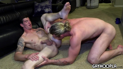 Sage Hardwell Blows His Load All Over Robbie Valentine (720p)