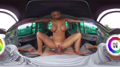 Nathaly Cherie wanks him off with her feet