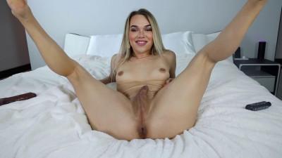 Cumming on a BB Dildo – Emma Rose