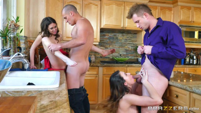 Dinner For Sluts – Melissa Moore & Riley Reid