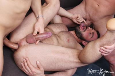 Description Two Better Than One - Jose Quevedo, Mario Galeno and Hugo Stark