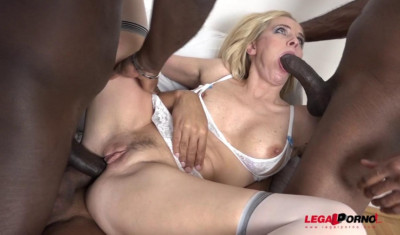 Sexy Milf Klara In Interracial 4on1 gangbang