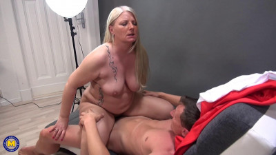 huge tit bbw tasted young dick and doing her toyboy