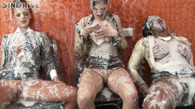 Lesbo Massacre Surprised By The Strap-On And Blown Away By The Jizz Storm (2014)