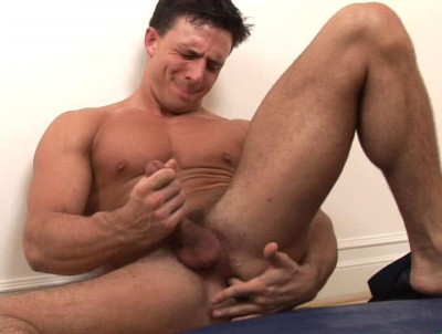 Description RandyBlue - Reese solo with toy