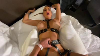 Getting A Big Dick In My Hotel Room – Abigail Mac – Full HD 1080p