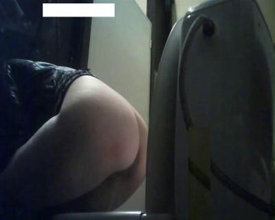 hidden camera in the women's toilet cafe