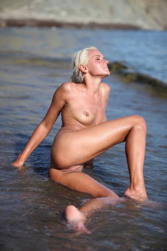 Zemani (01 and 05) — 2020 Full Erotic High Quality Pics.