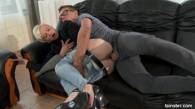 Tutoring in fully clothed sex