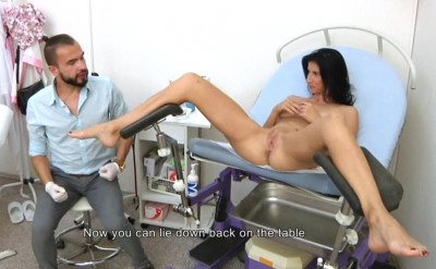 Aria Rossi (28 years girl gyno exam)