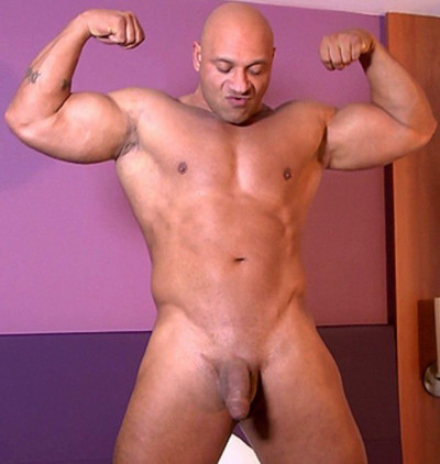 Big Ivan - Naked Muscle Flex