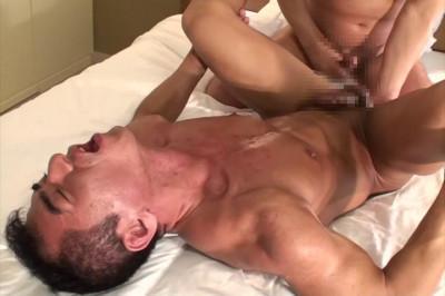 Description Shaved pussy fucks
