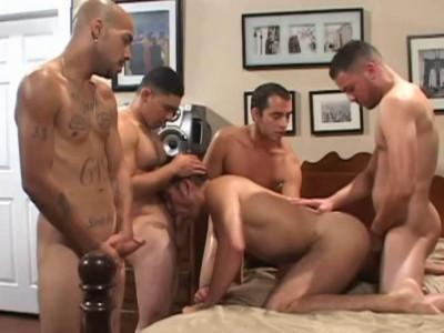 Round Asses In Raw Gangbang