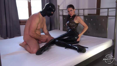 Description Latex Worship on the Bed