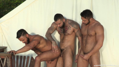 Description RagingStallion - Damian Taylor, Seth Santoro and Rikk York