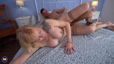 MILF Anna Blond is secretly fucking her  boyfriend