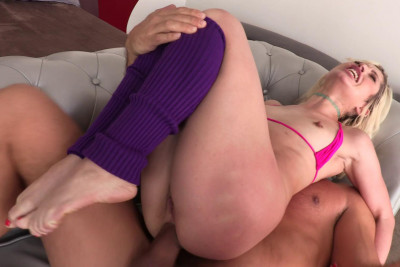 Blond Babe Goldie Glock Assfucked By Big Dick