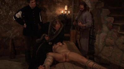 Elvira – Medieval Witch's Tour