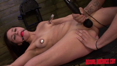 Zoey Foxx Returns for More Bondage Slave Training (2015)