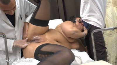 Mrs Kelly is a BBW greedy squirt cougar mom getting her ass fist fuck