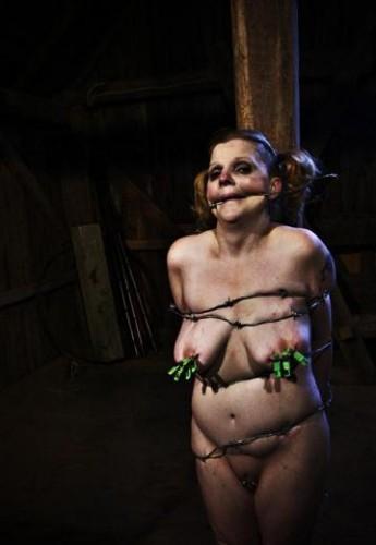 Captive slave wants sex