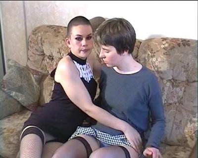 Deux lesbiennes se font un 5 ? 7 tr?s hot !